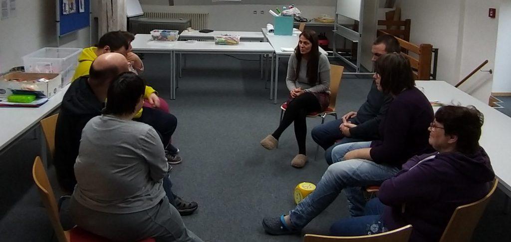 Seminar für Paare - Gruppenarbeit. Foto: Uwe Roth